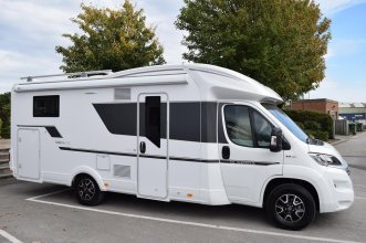 Fiat Adria Matrix Axess 670 SC 130BHP